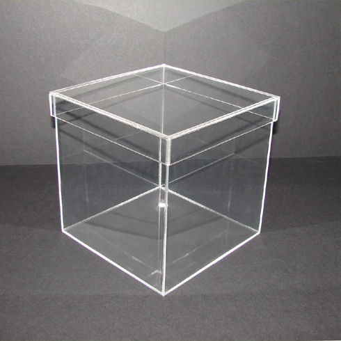25cm Clear Acrylic Cube With Lid